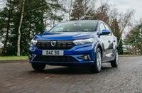 2021 Dacia Sandero front three quarter dynamic