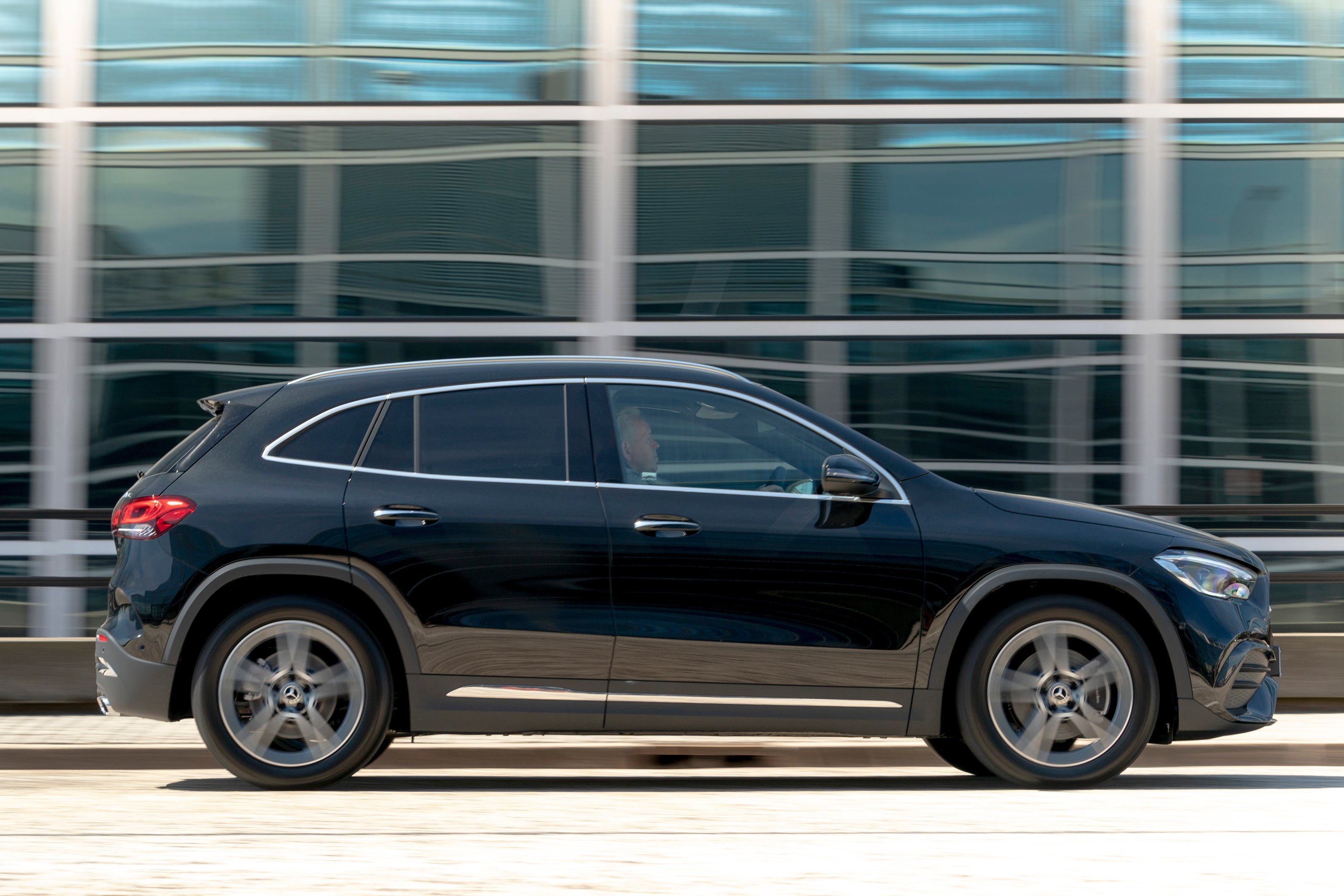 Mercedes GLA 2020 rightside exterior