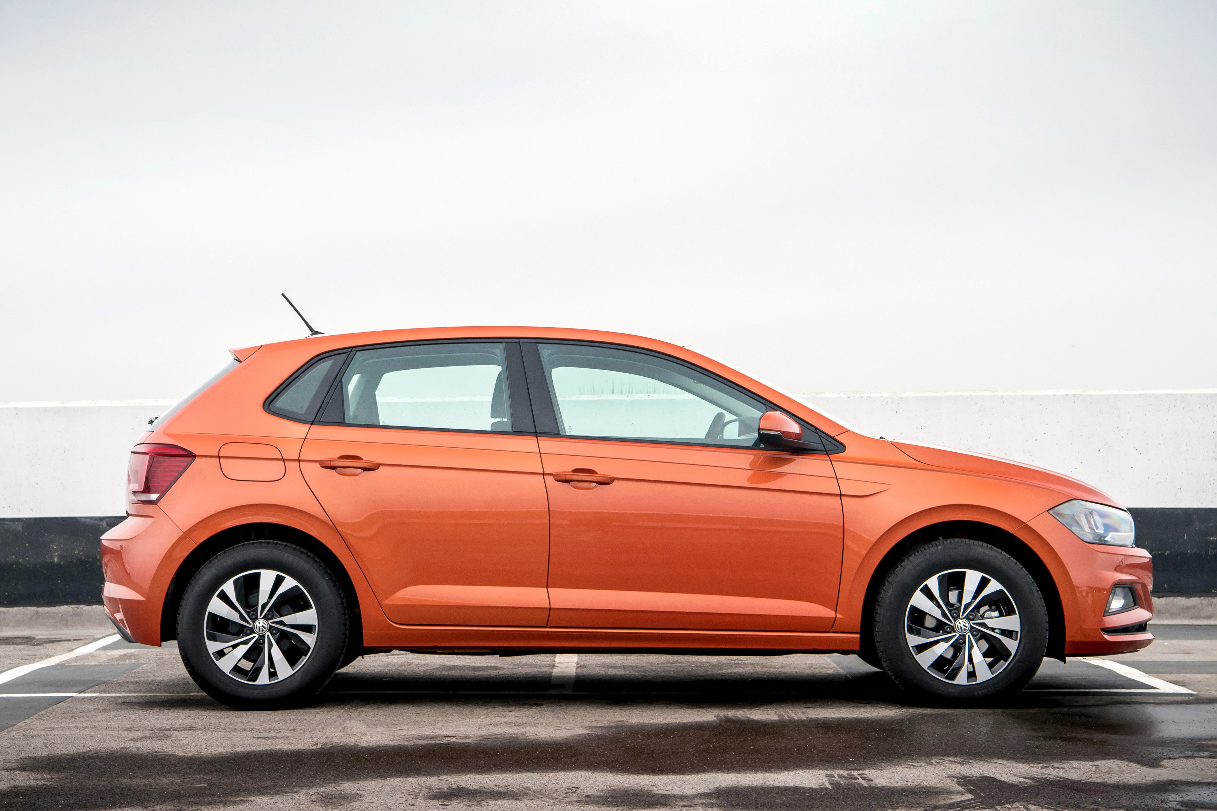 Volkswagen Polo Right Side View