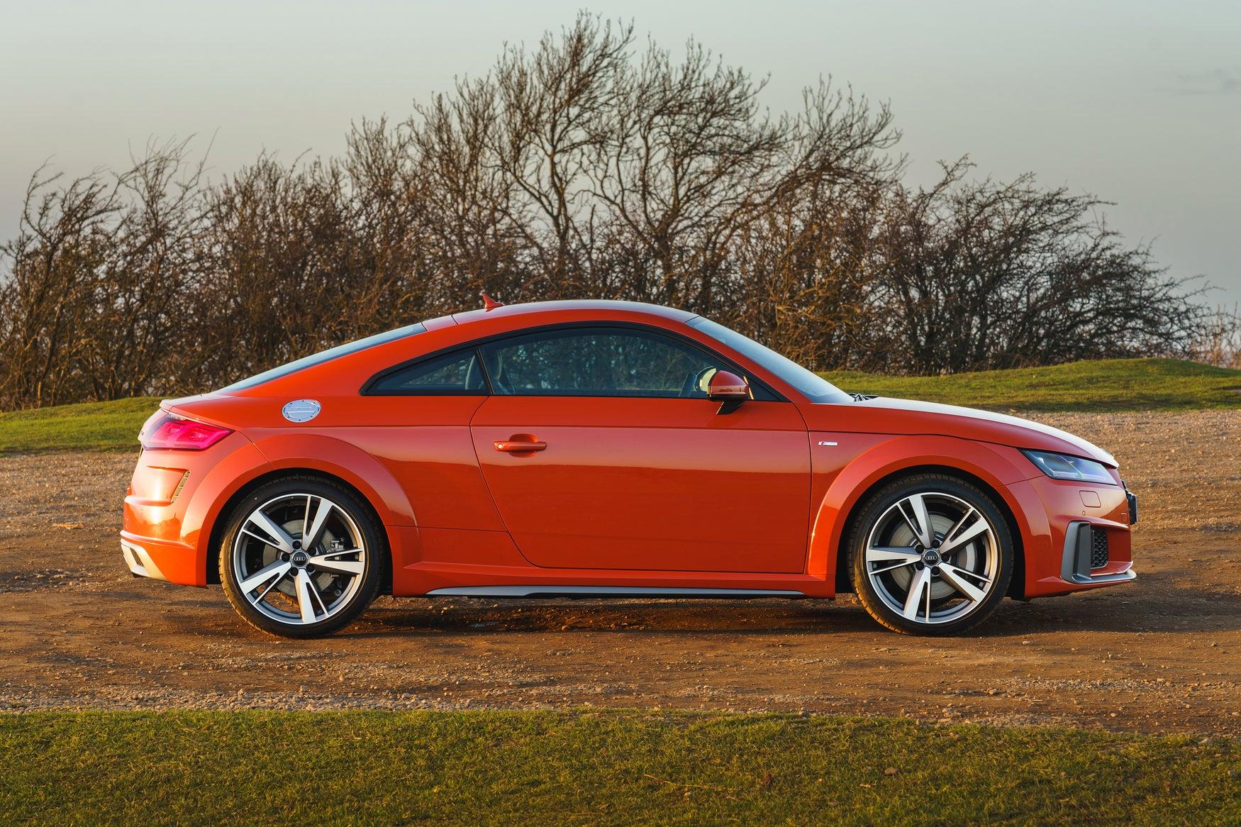 Audi TT Exterior Side