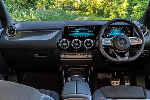 Mercedes GLA 2020 front interior