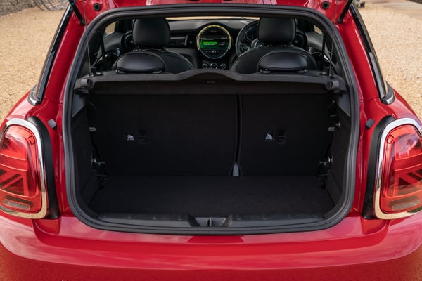 MINI Electric bootspace
