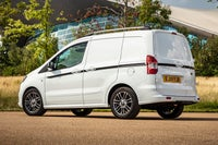 Ford Transit Courier white