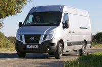 Nissan NV400 frontleft moving