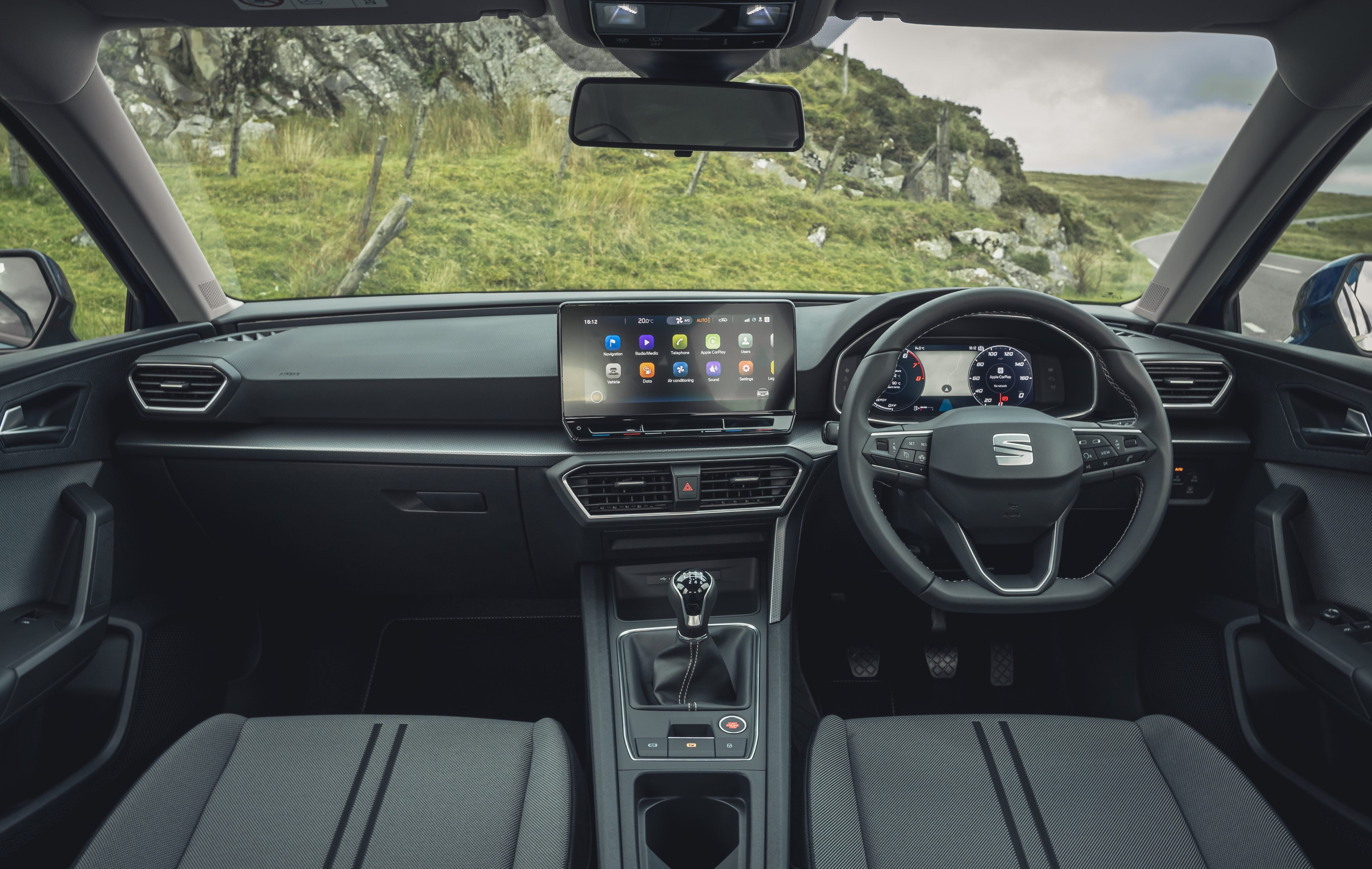 SEAT Leon interior dashboard