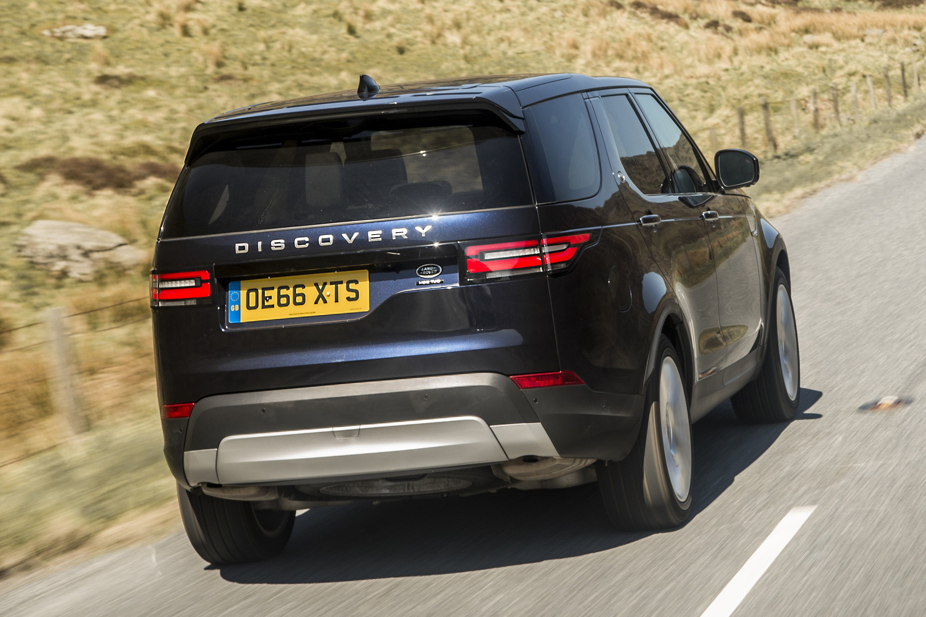 Land Rover Discovery  2017 backright exterior