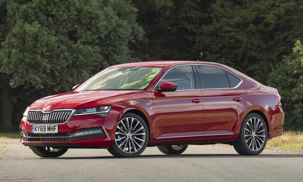 Skoda Superb Front Side View
