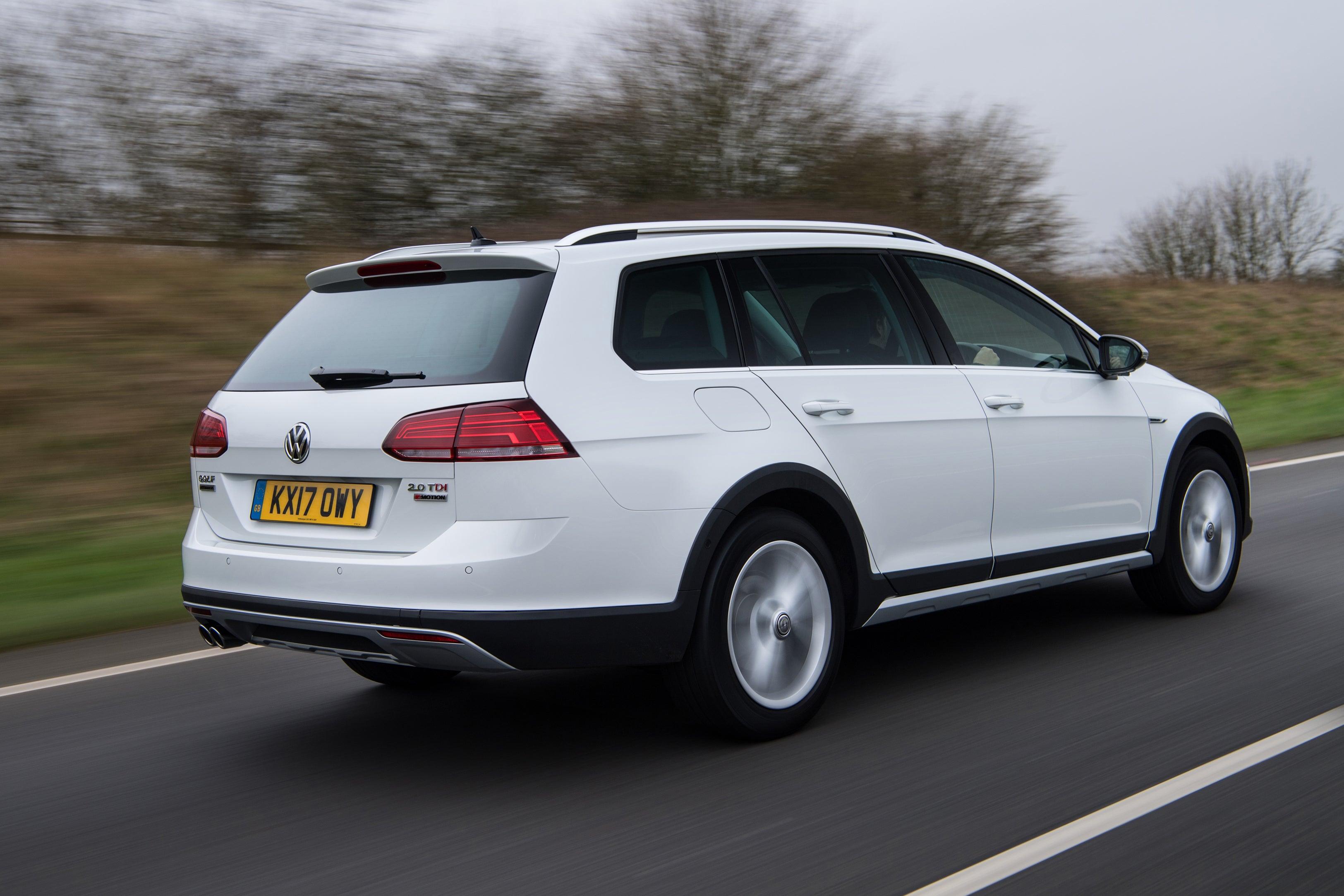 Volkswagen Golf Alltrack Rear Side View