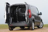 Fiat Doblo Cargo Back