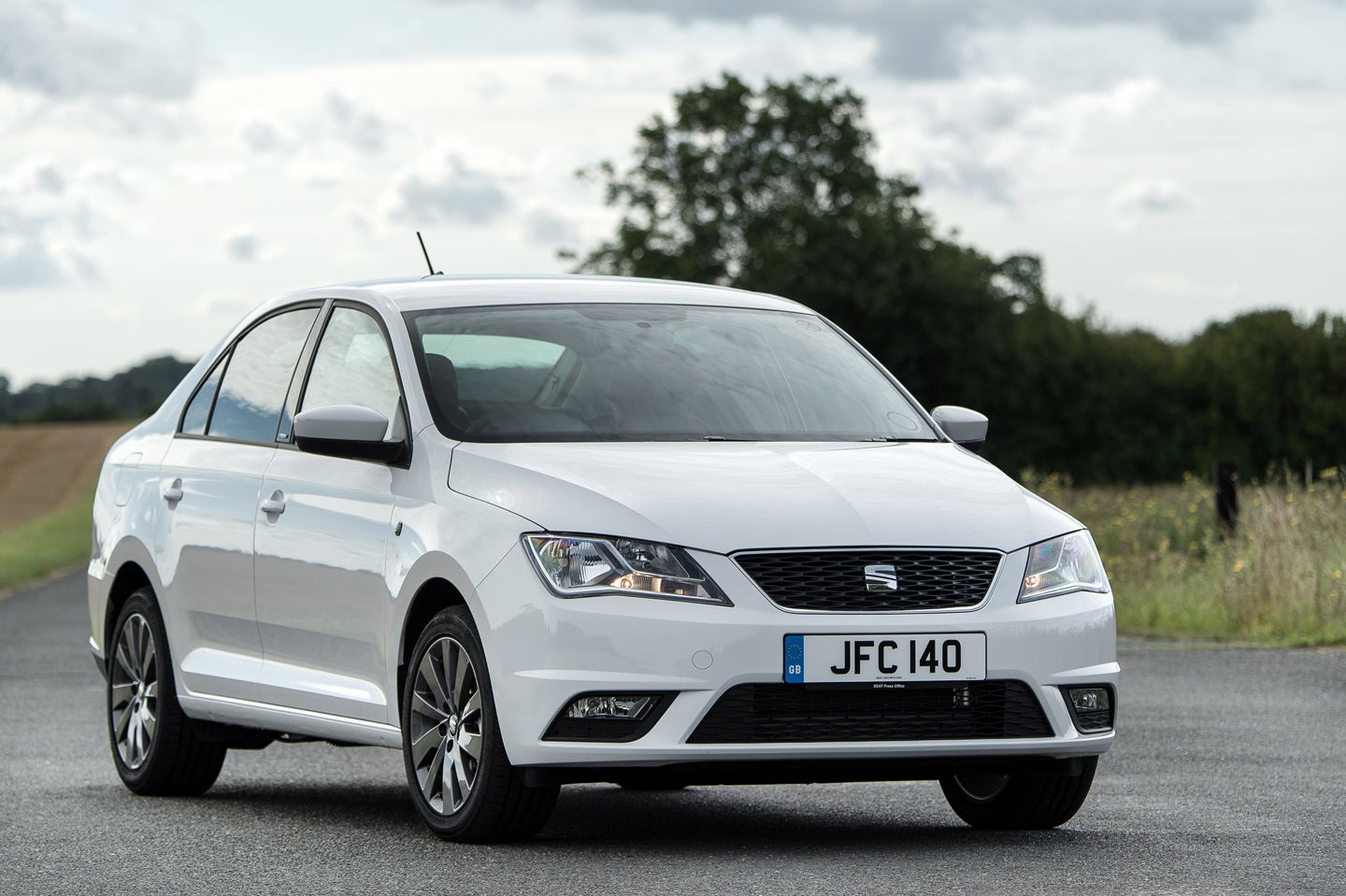 SEAT Toledo Front Side View