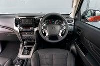 Mitsubishi L200 interior  front