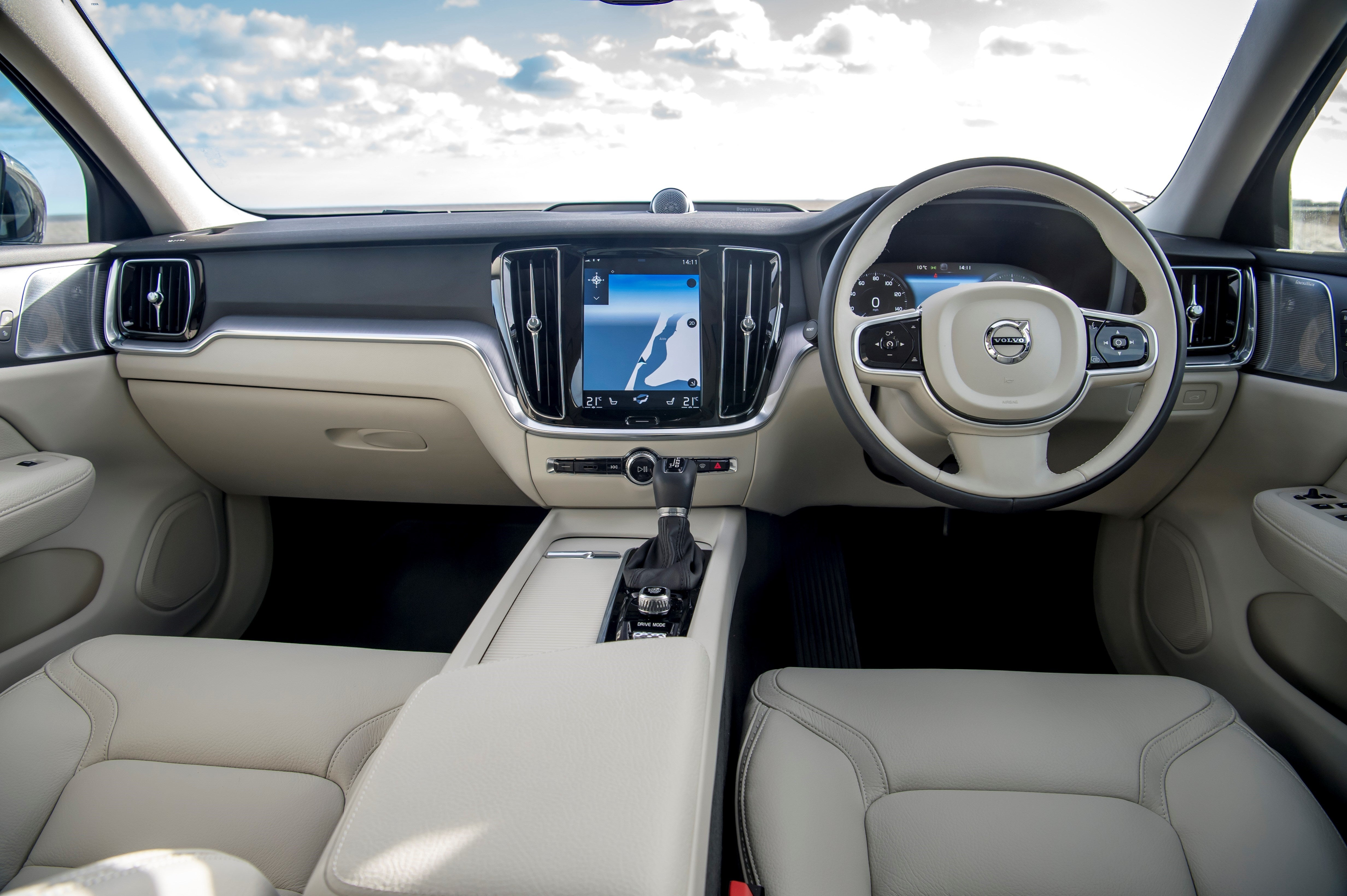 Volvo V60 Cross Country Front Interior
