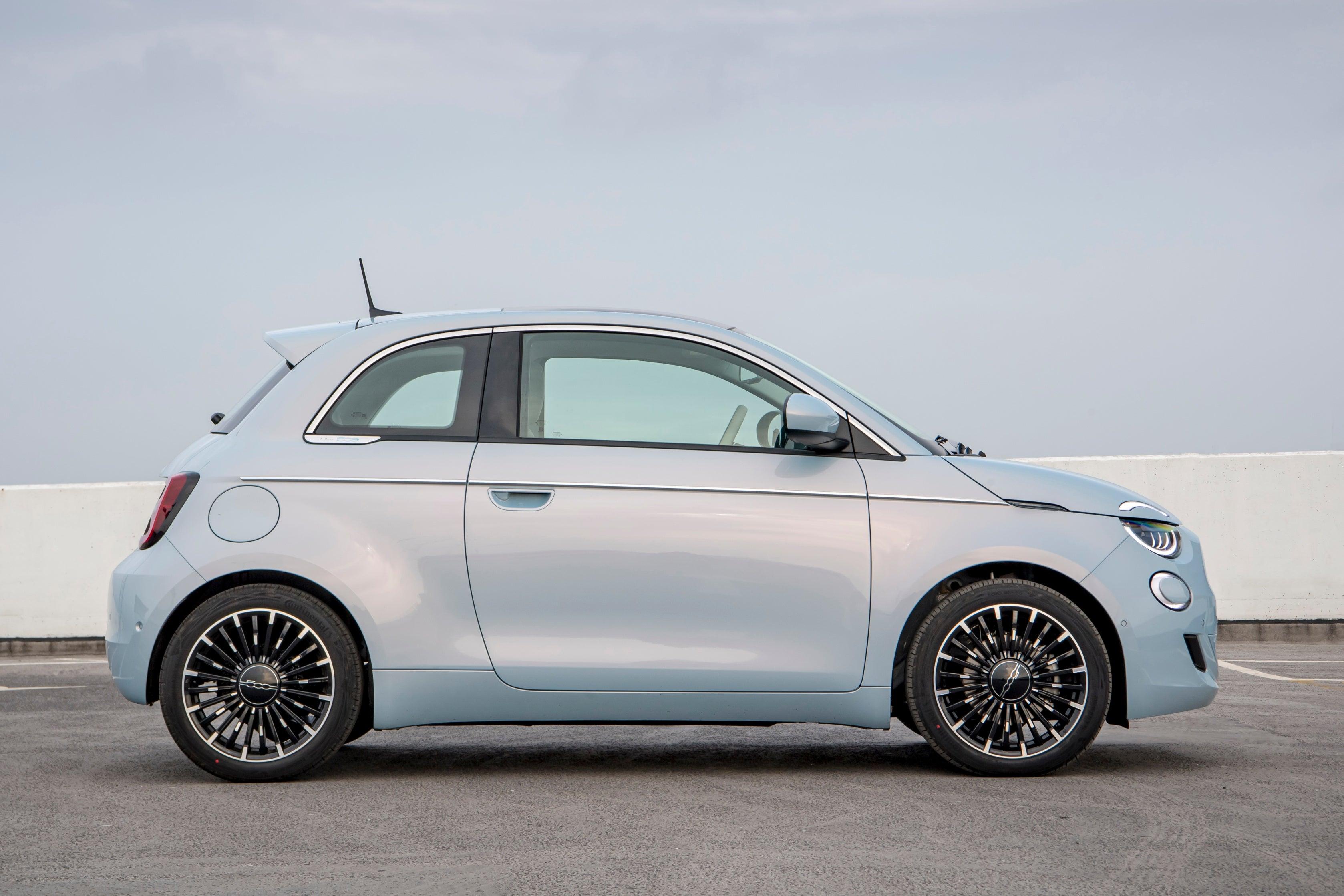 Fiat 500 Electric side