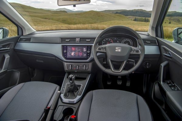 SEAT Arona Front Interior