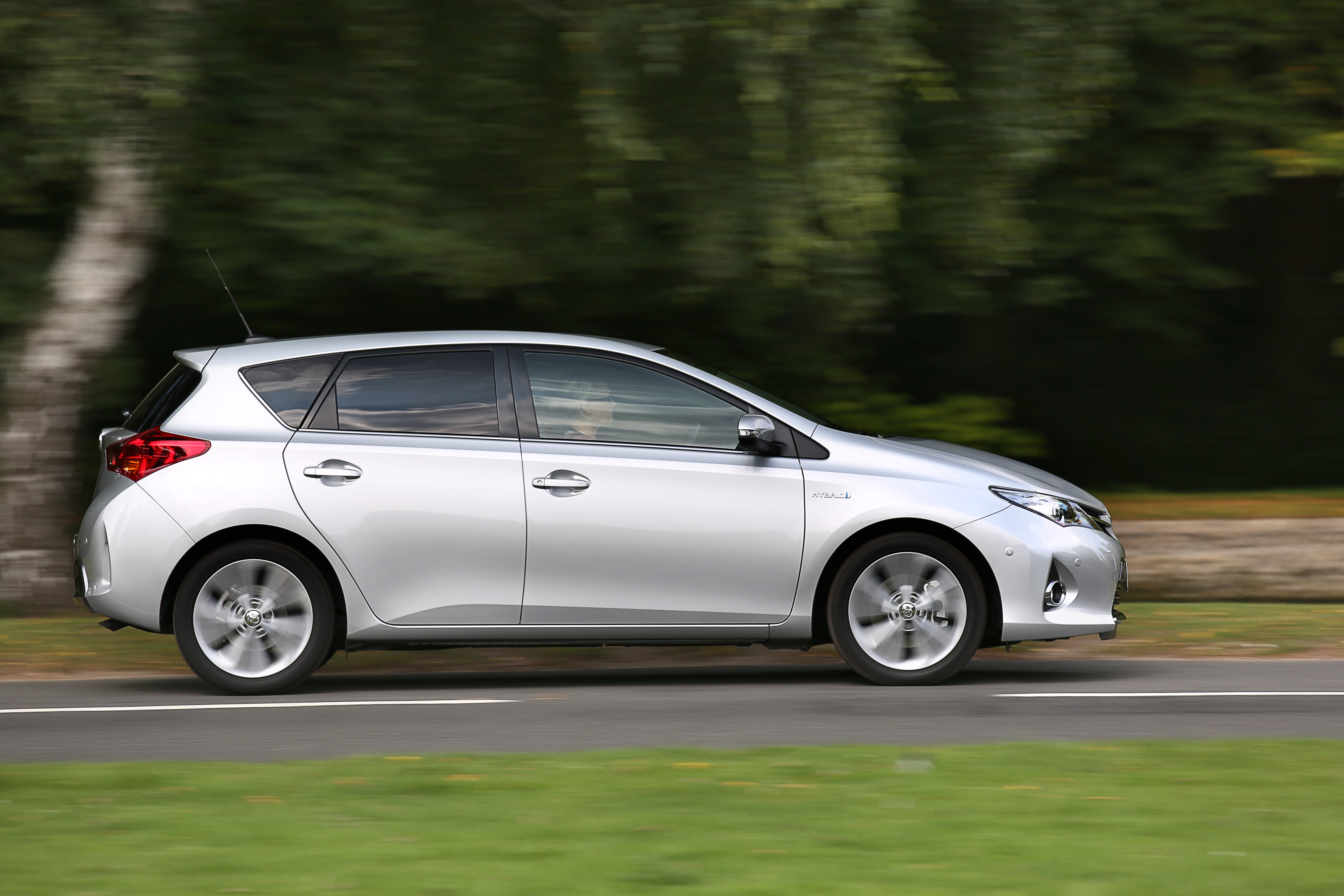 Toyota Auris Right Side View