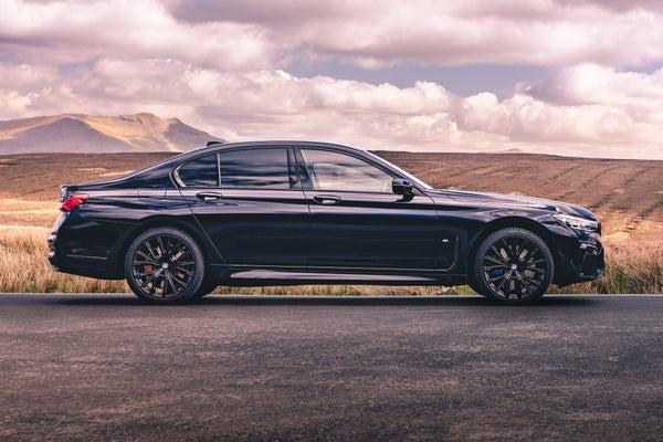 BMW 7 Series Exterior Side