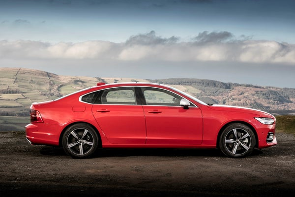 Volvo S90 Right Side View