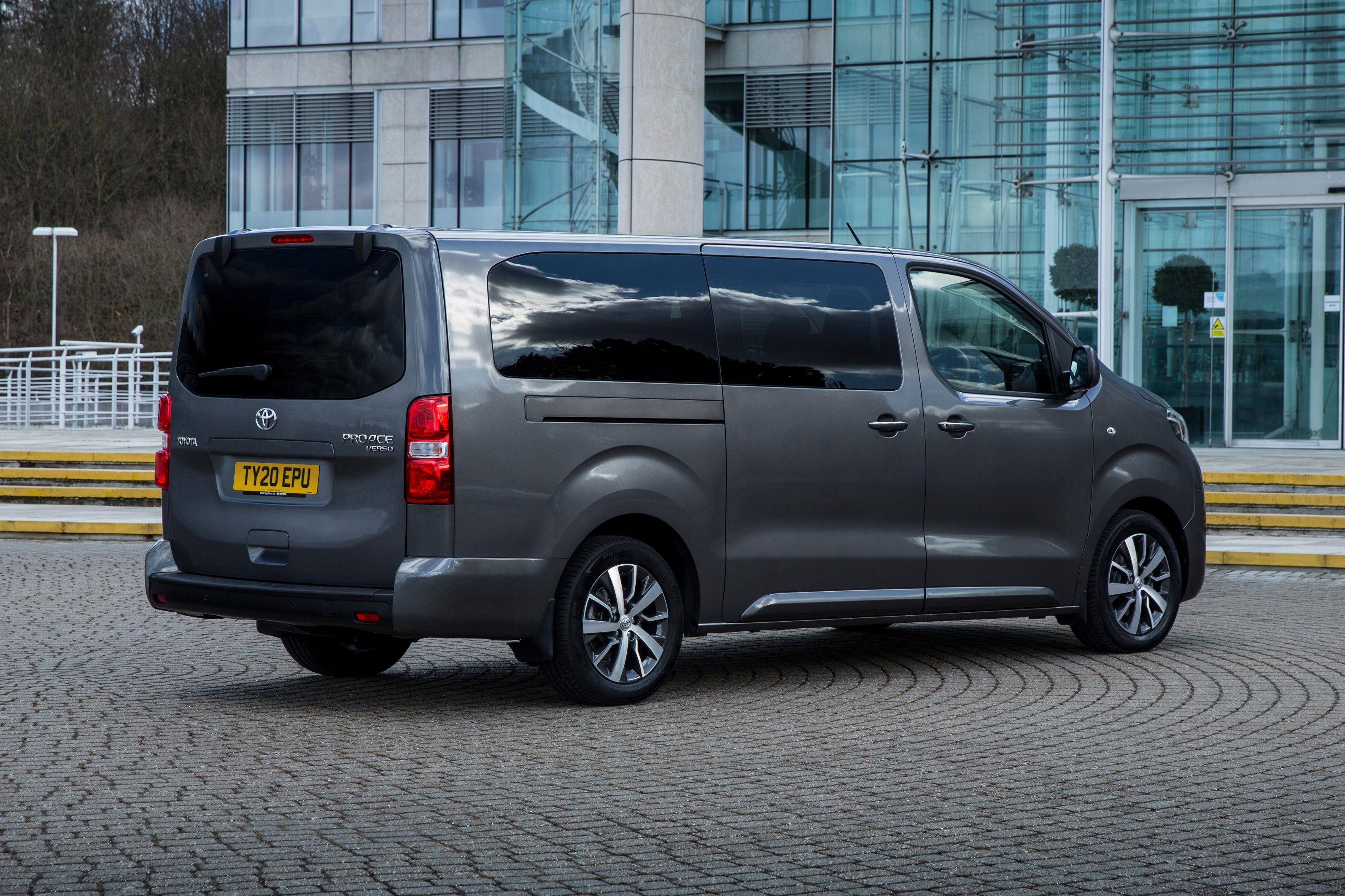 Toyota Proace Verso Rear Side View