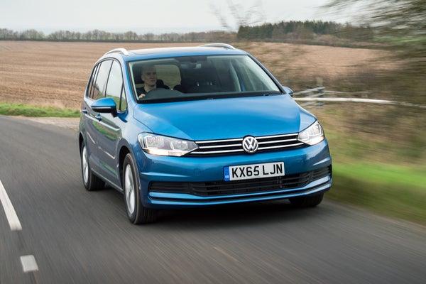 Volkswagen Touran driving front
