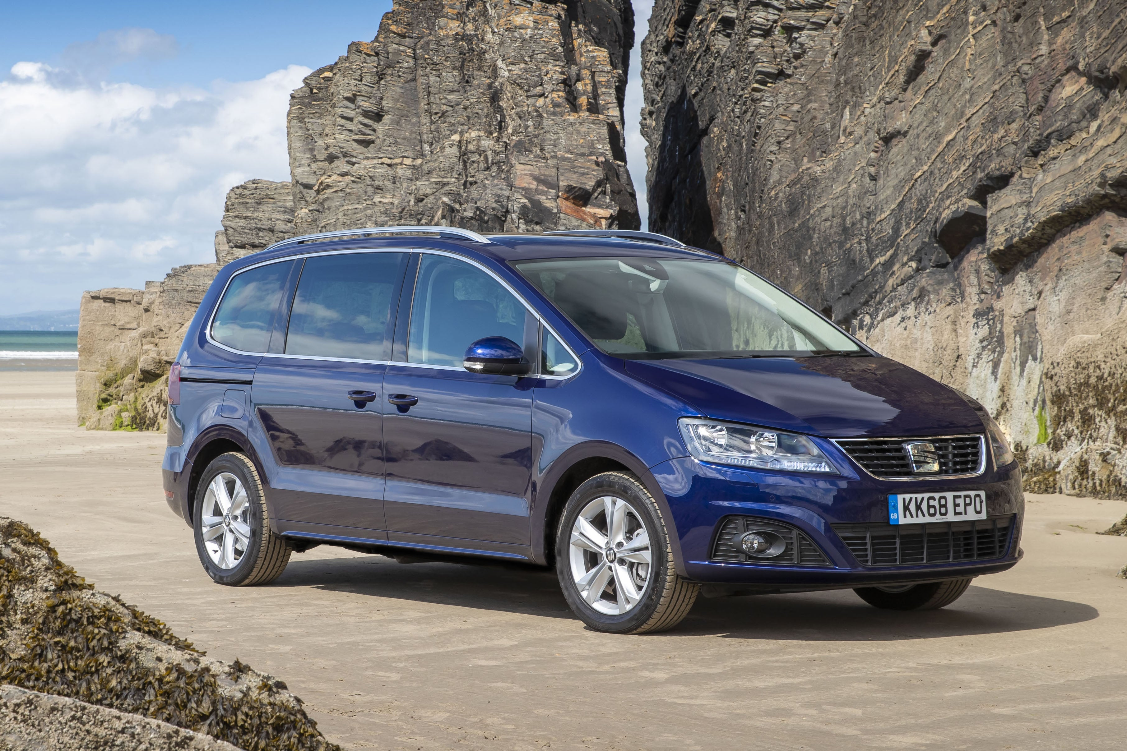 SEAT Alhambra Right Side View