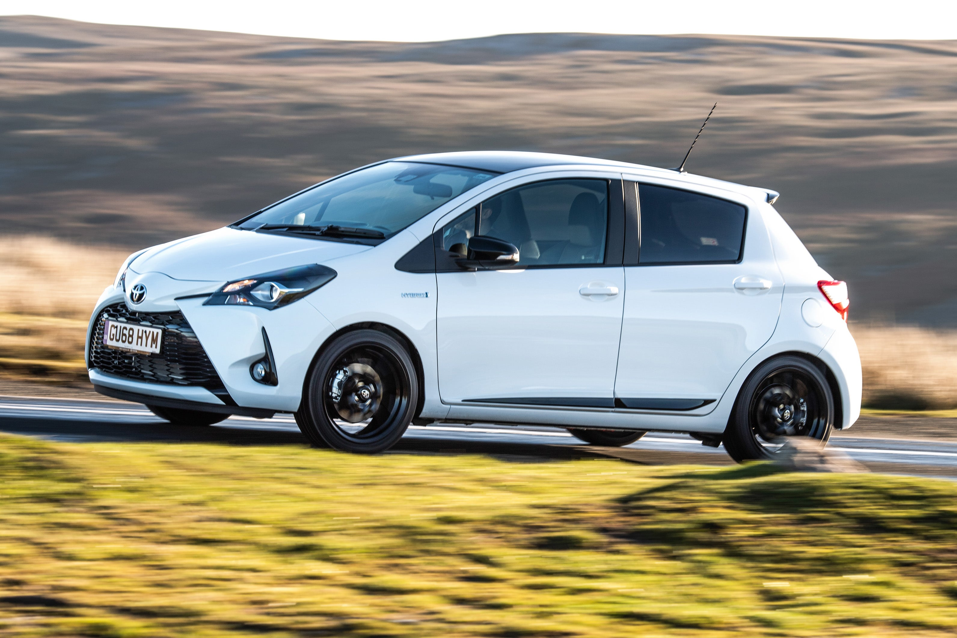 Toyota Yaris Left Side View