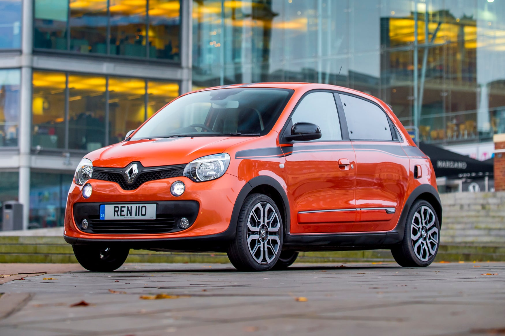 Renault Twingo Front Side View