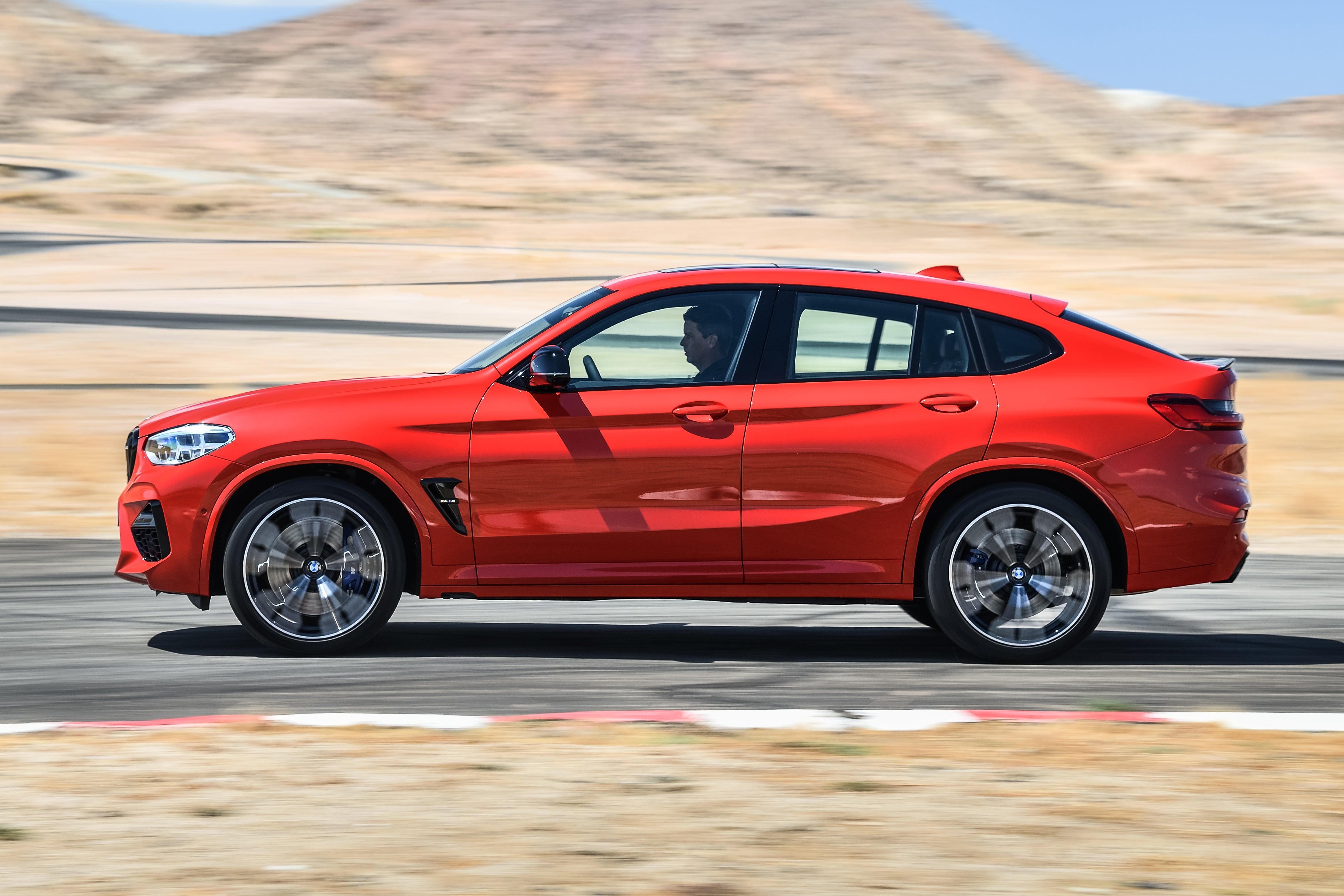 BMW X4 M Competition dynamic profile