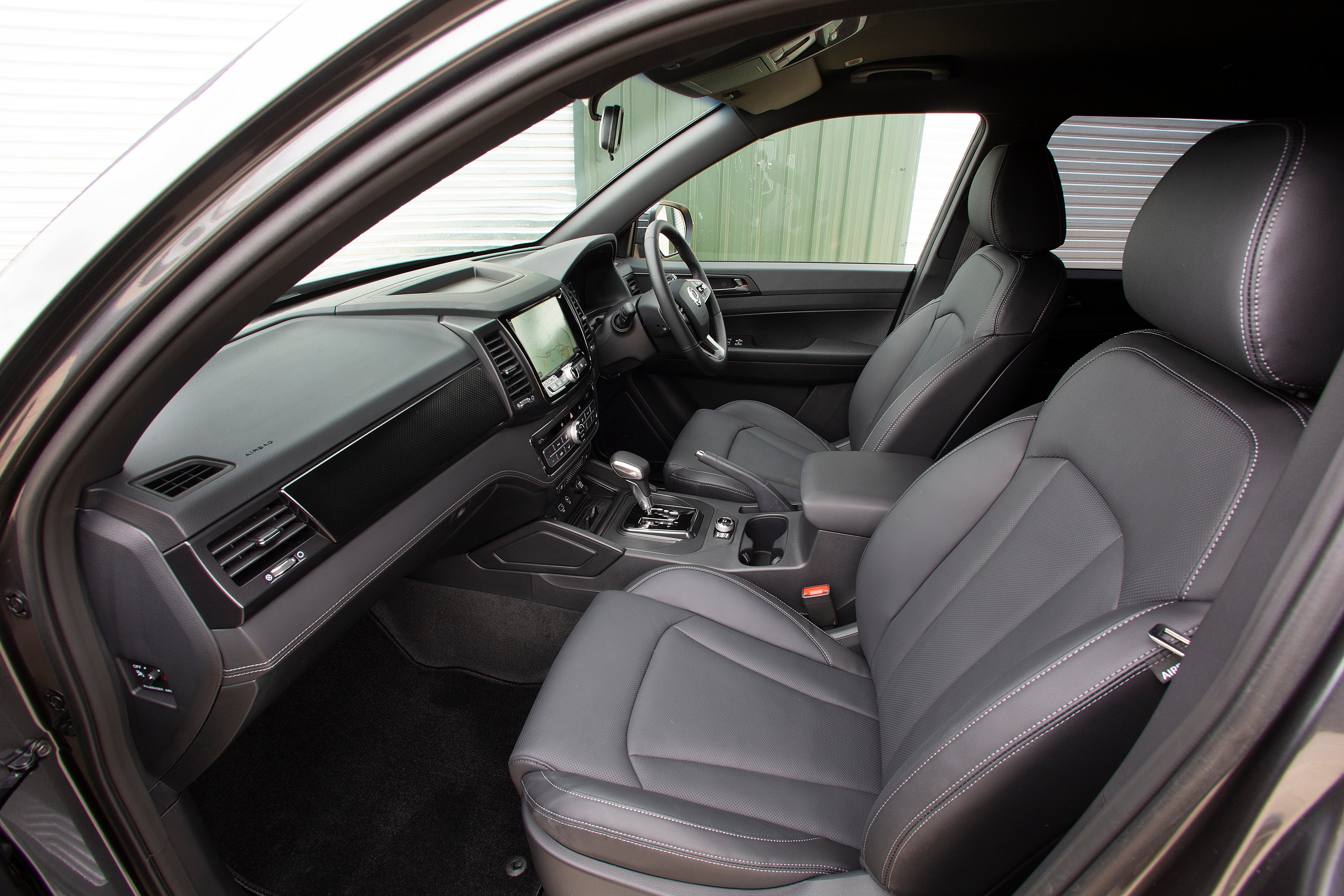SsangYong Musso Front Car Seats