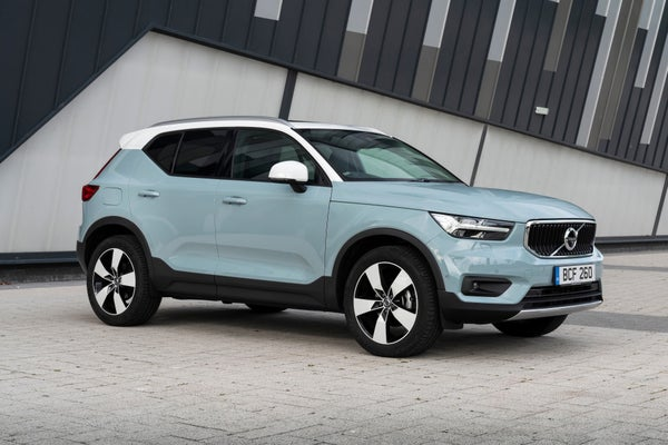 Volvo XC40 Front Side View