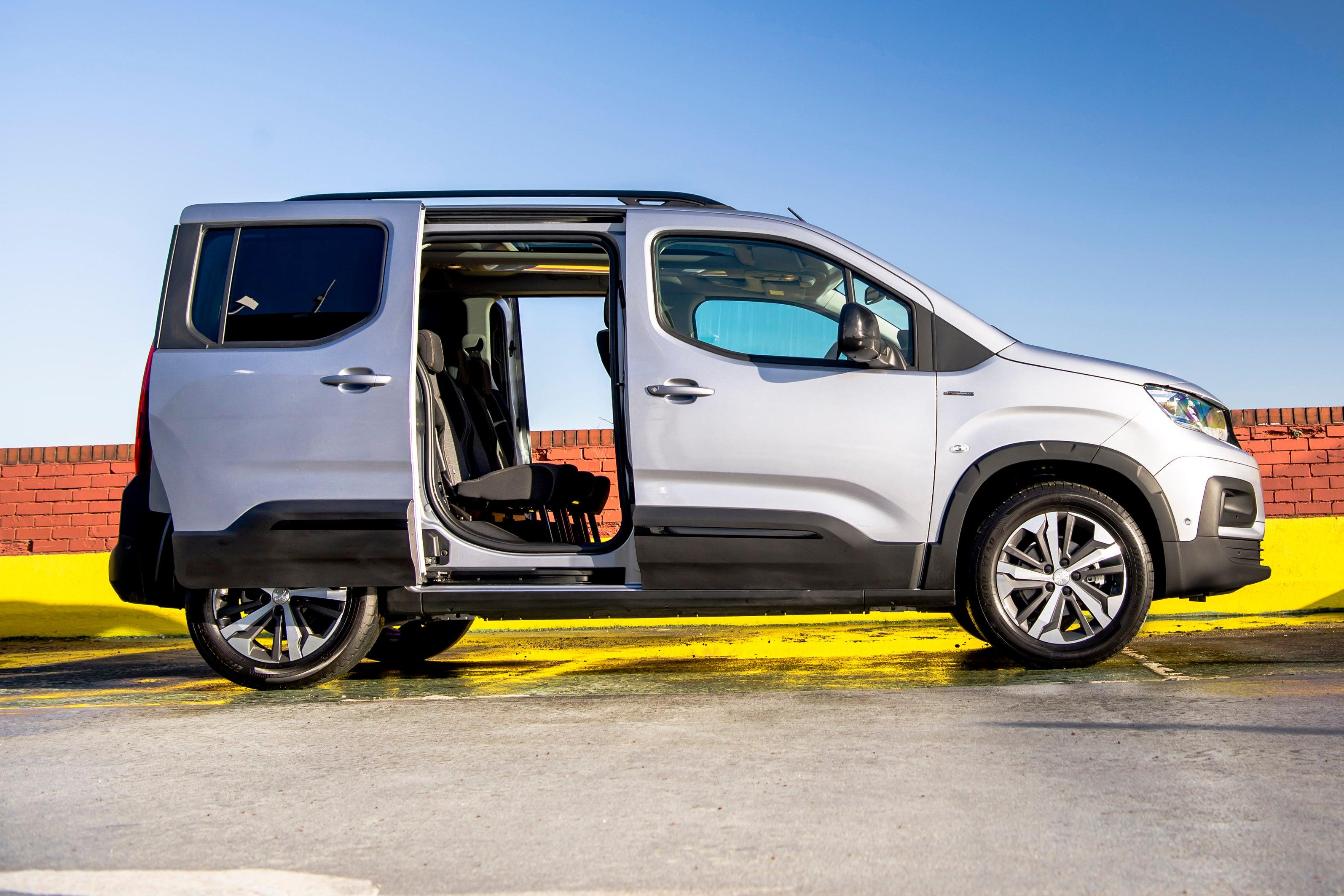 Peugeot Rifter side profile doors