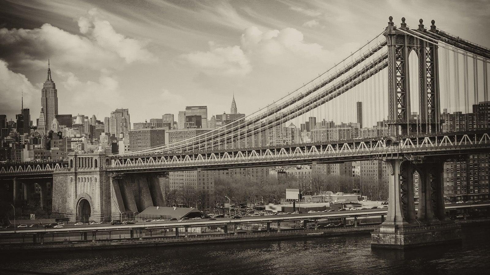 Black and White photo of Brooklyn Bridge and New York
