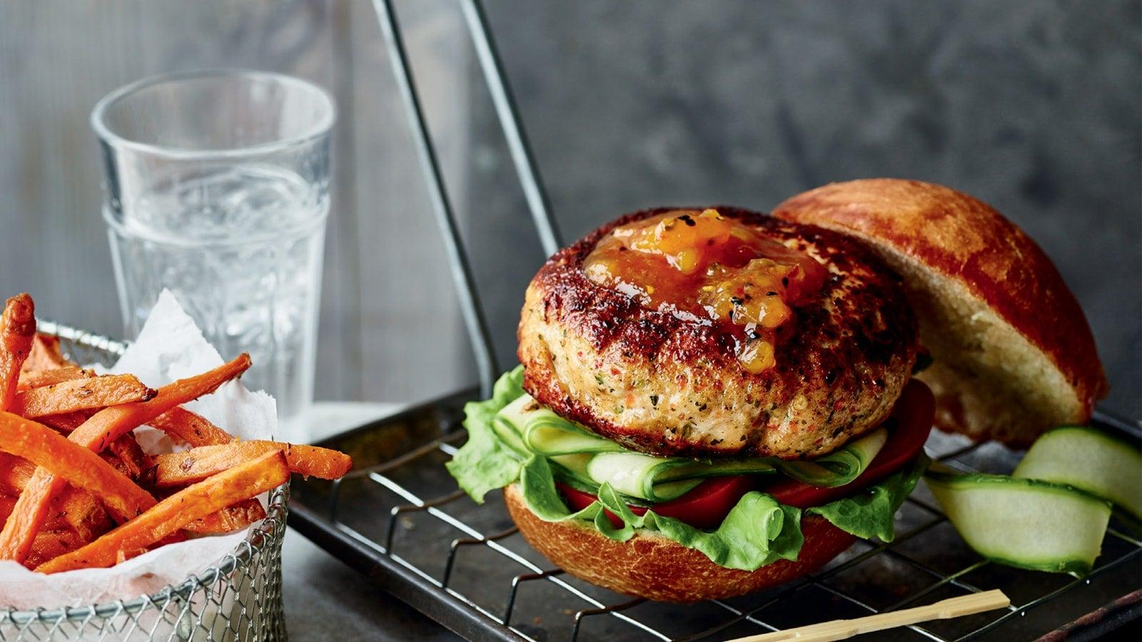 Joe Wicks' post-workout Mango Chicken Burger