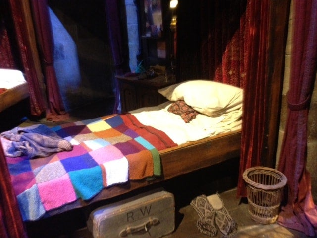 Ron Weasley's bed Harry Potter