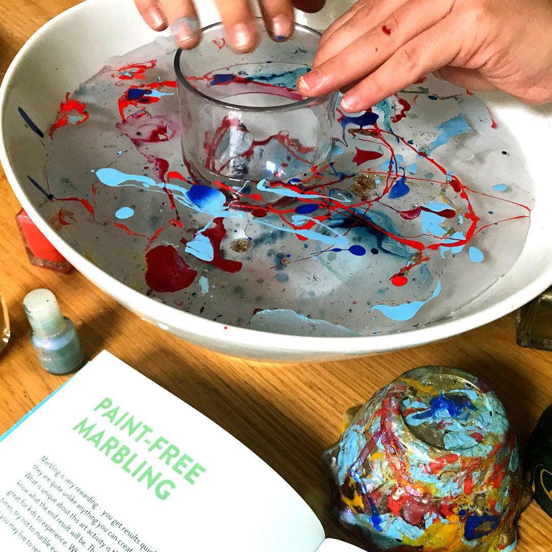 Paint-free marbling