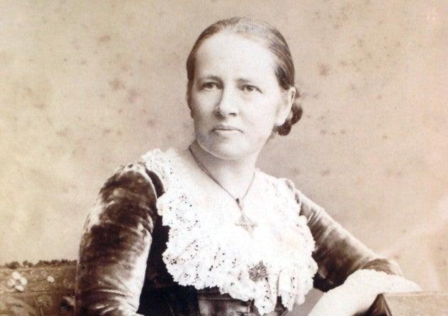 Black and white photograph of Elizabeth Garrett Anderson