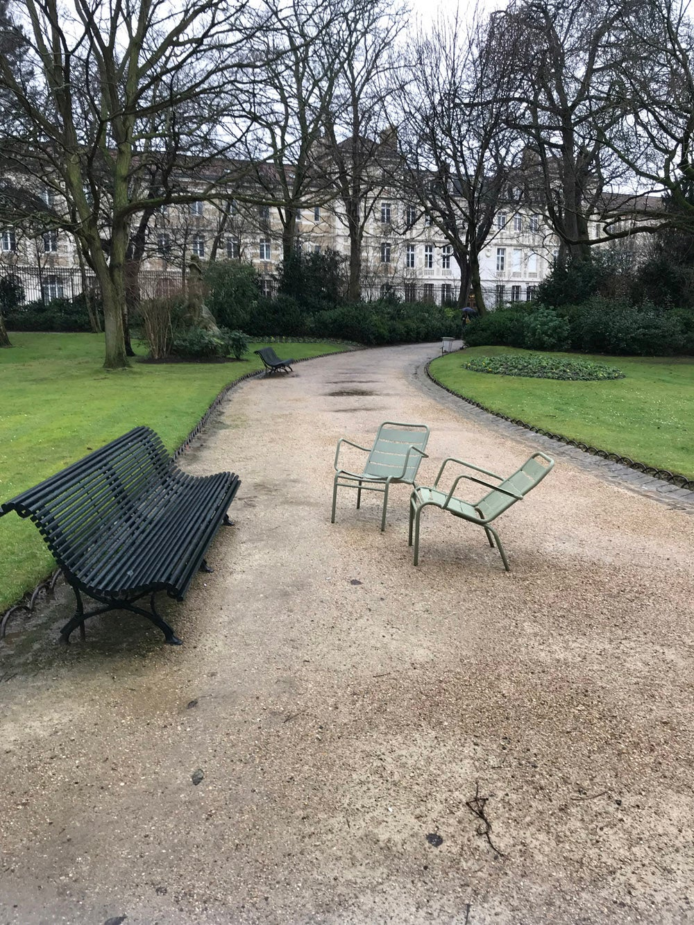 Chairs and benches arranged in a circle