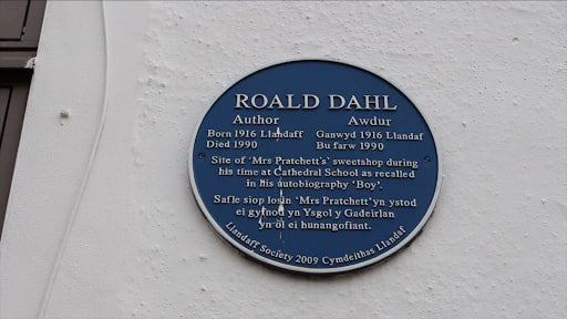 Blue plaque to Roald Dahl at the site of Mrs Pratchett's sweetshop