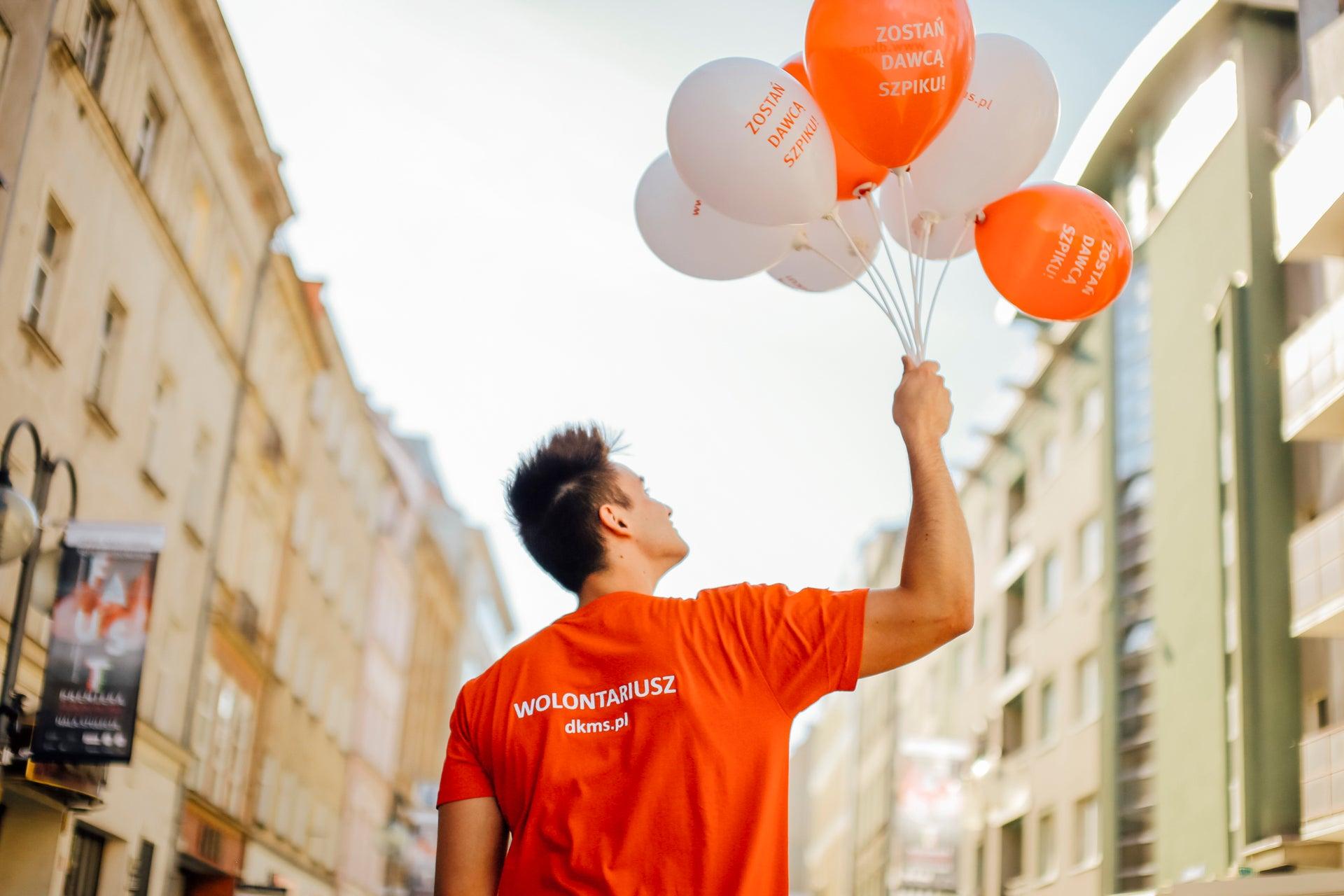 Dawca z balonami