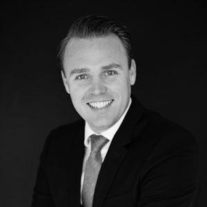 Drs. Robert Kat MSRE MRICS RM RT | PropertyTraders.com| Springrealestate.com